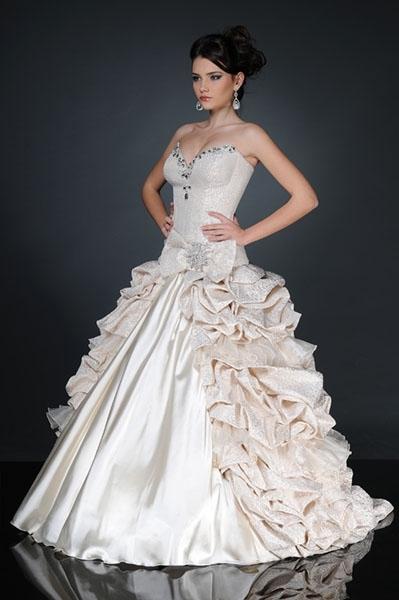 Nadia.L for Helen Dresses Designer